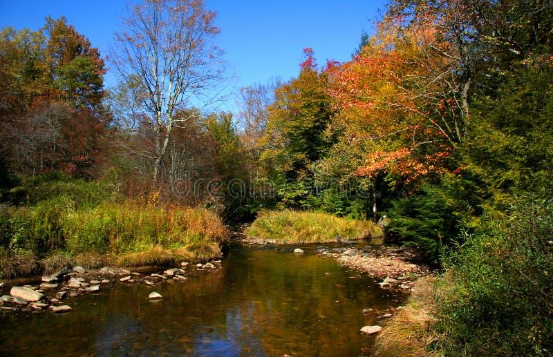 Szenische Herbst-Landschaft stockfotografie