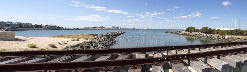 Szenischer Panoramablick der alten Bahnlinie Bunbury-Hafen West-Australien lizenzfreies stockbild