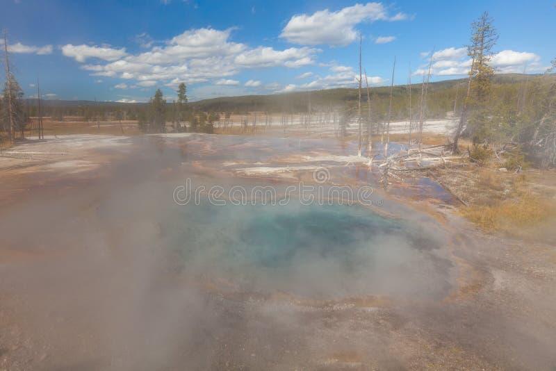 Szenisches geothermisches Yellowstone Nationalpark der heißen Quellen lizenzfreies stockfoto