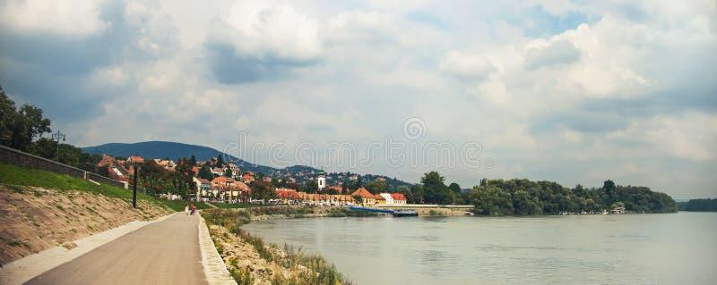 SZENTENDRE,匈牙利, steet的房子在夏天 图库摄影