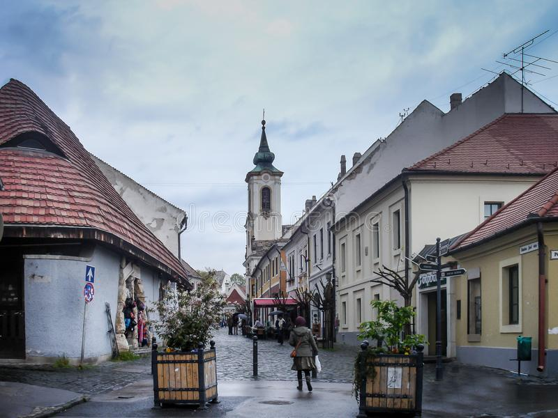 Szentendre pittoresk by, konstnärstad i Ungern royaltyfria foton
