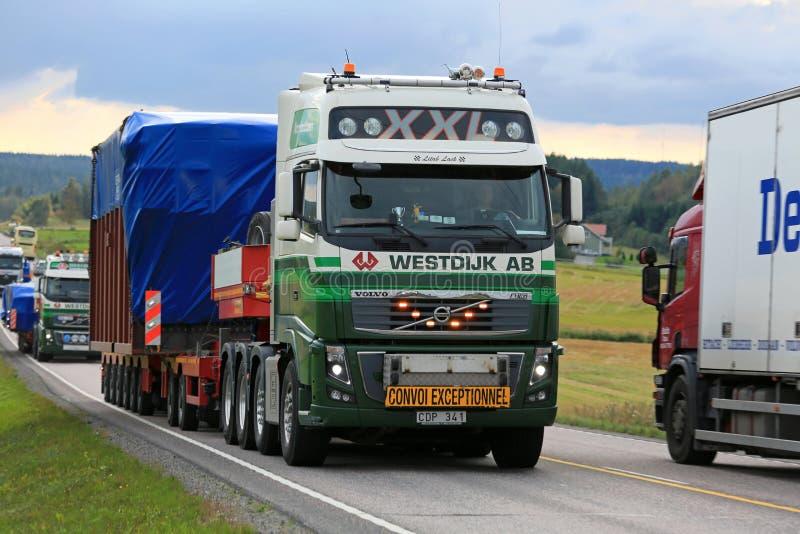 Szeroki ładunek ciężarówki transport zdjęcie royalty free