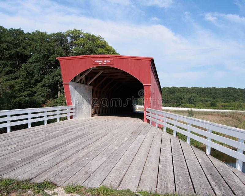 Szeroki kąta widok Hogback Mosta Madison Okręg administracyjny Iowa zdjęcie stock