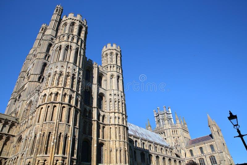 Szeroki kąta widok Południowa część katedra Ely w Cambridgeshire, Norfolk, UK obraz royalty free