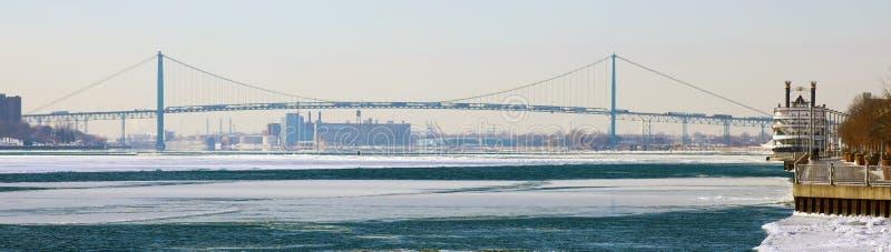 Szeroki panoramiczny wysoki definicja obrazek Ambassador most między usa i Kanada zdjęcia royalty free