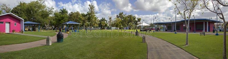 Szeroki widok central park dla dzieciaków Bayamon Puerto Rico zdjęcia stock