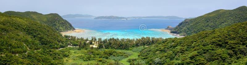 Szeroki widok na krajobraz plaży Tokashiku na wyspie Tokashiki w Okinawie, Japonia fotografia stock