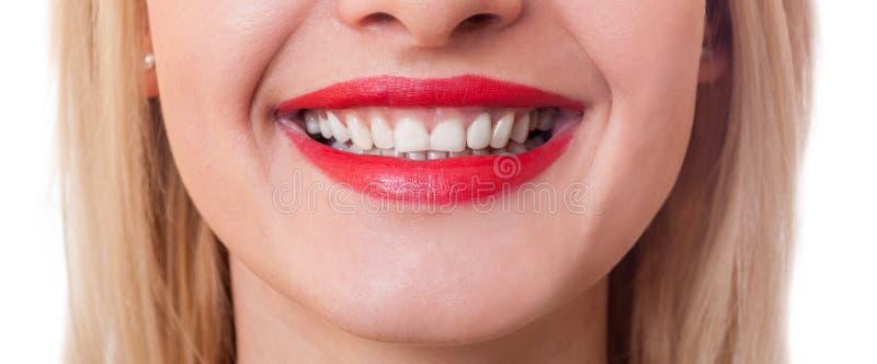 Szeroki wizerunek piękny uśmiechnięty usta zdjęcie stock