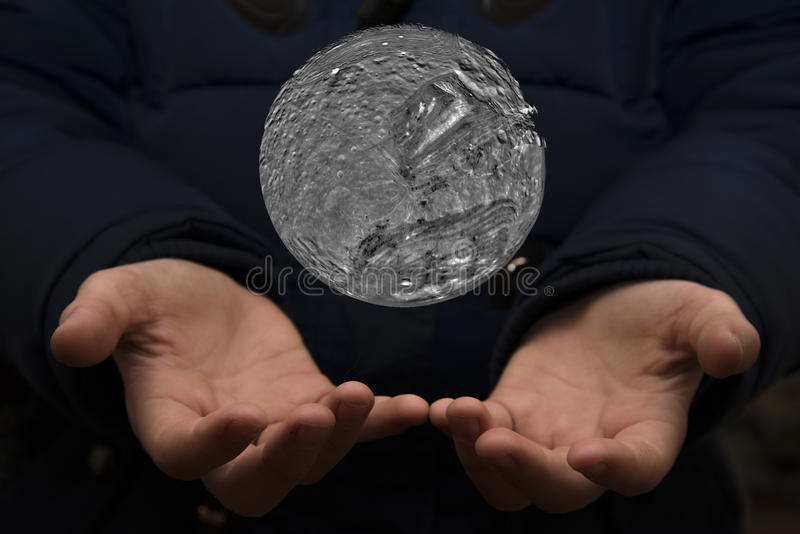 Szeroki wszechświat w rękach dziecko Elementy ten imago zdjęcia stock
