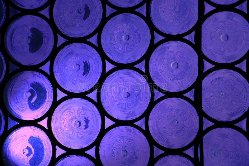 szkła błękitny obramiający okno pobrudzony fiołkowy obraz royalty free