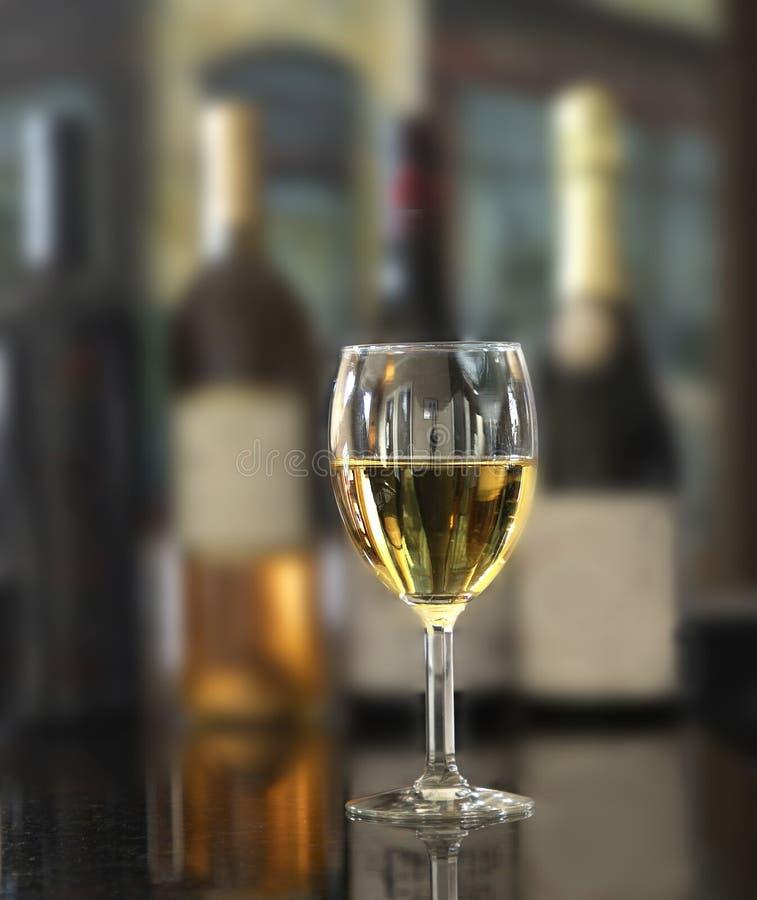 Szkło białego wina obraz royalty free