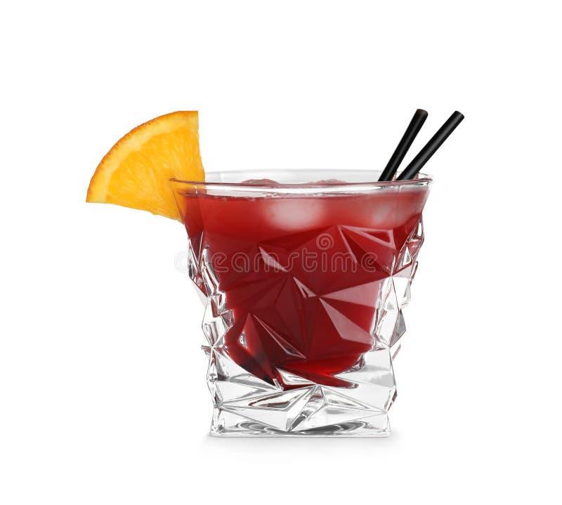 Szk?o Czerwony Cosmo koktajl na bia?ym tle Tradycyjna alkoholiczka obraz royalty free