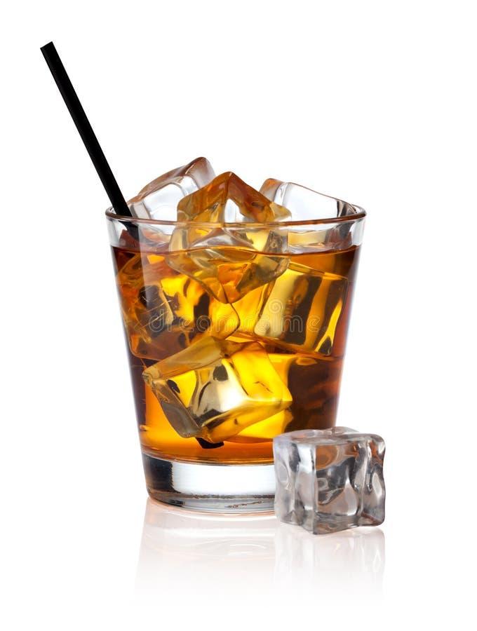 Szkło scotch whisky i lód fotografia royalty free
