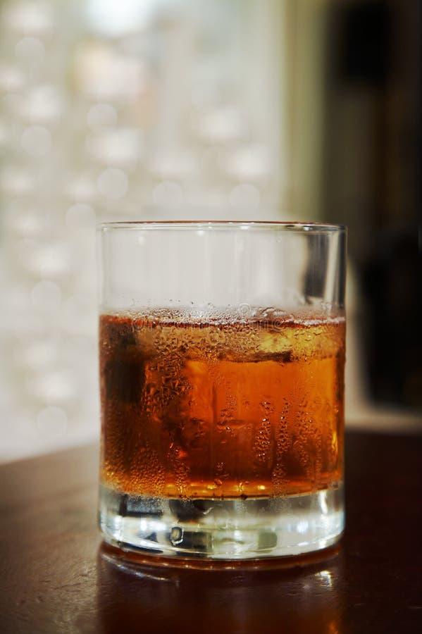 Szkło whisky z lodem zdjęcie royalty free