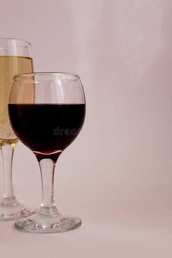 Szkło wino i szkło szampan obrazy stock