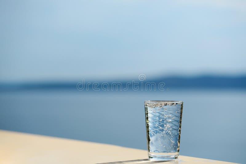 szklana czystej wody zdjęcia stock