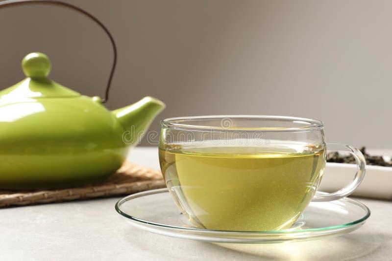 Szklana filiżanka krawata Guan Yin oolong herbata obraz stock