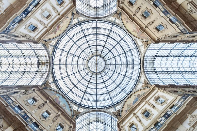 Szklana kopuła klasyczna architektura fotografia stock