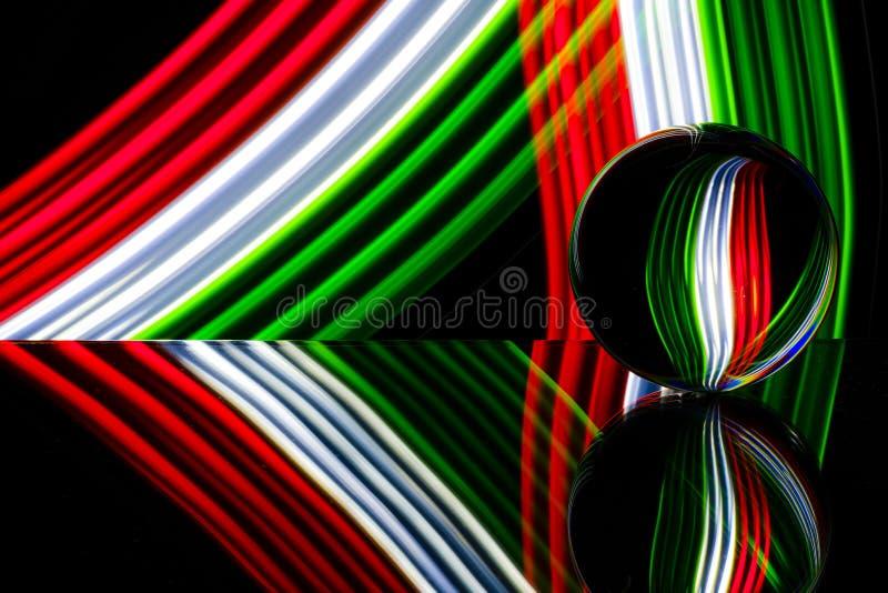 Szklana sfera odbija kolorowego światło obraz royalty free