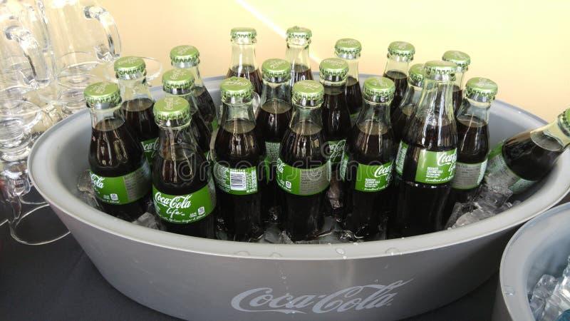Szklane koka-koli życia butelki obrazy stock