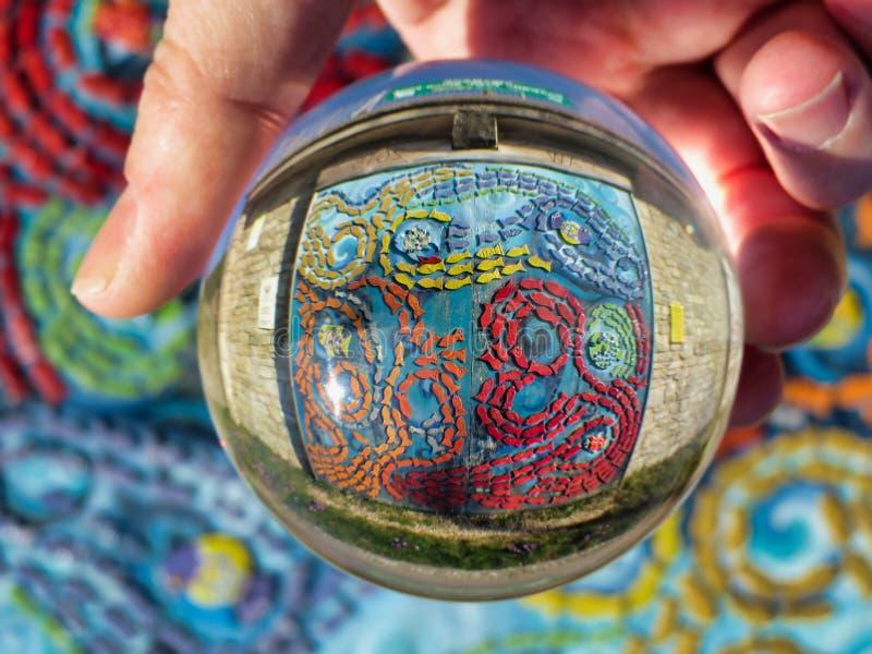 Szklanej piłki oceanu mozaika obraz royalty free