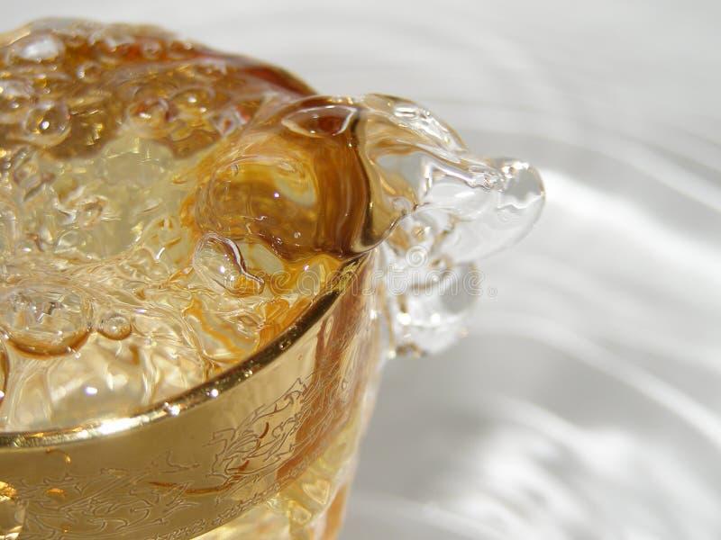 szklankę wody podsadzkowa fotografia stock