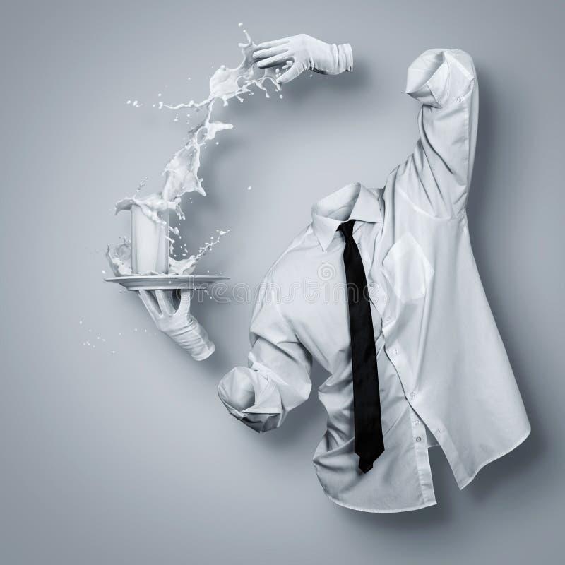 szklanki mleka obrazy royalty free