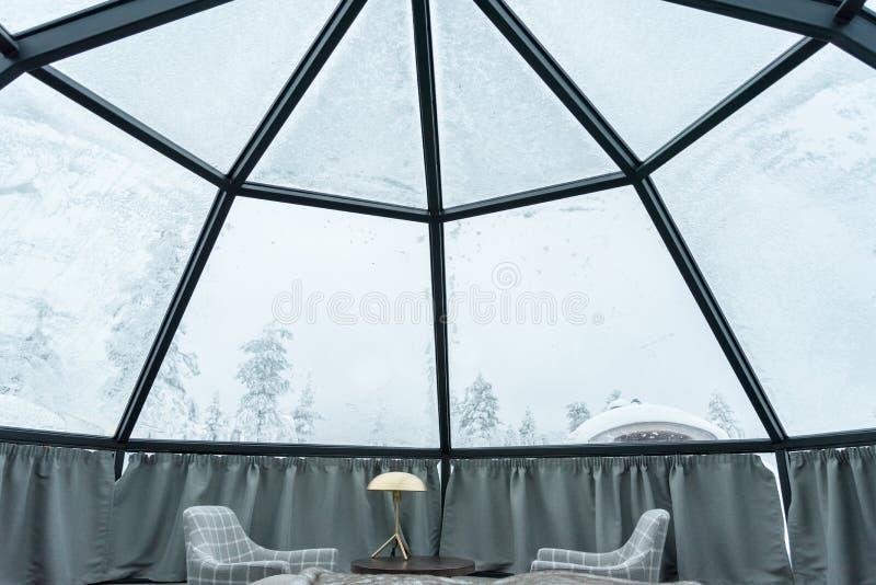 Szklany igloo w Lapland blisko Sirkka, Finlandia fotografia royalty free