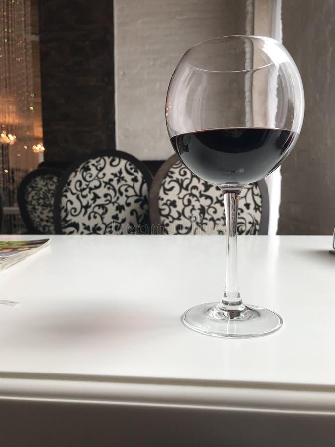 szklany plażowy lunchu wino zdjęcie royalty free