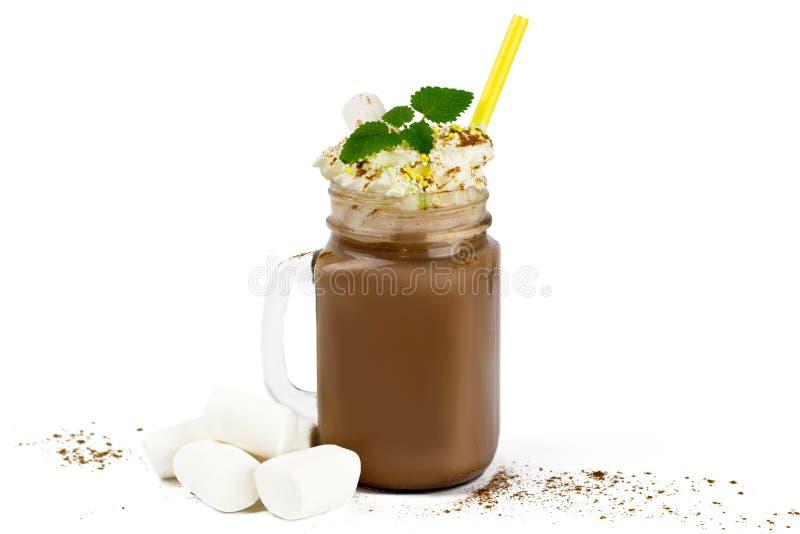 Szklany słój z kakao, gorącą czekolada lub marshmallow fotografia stock