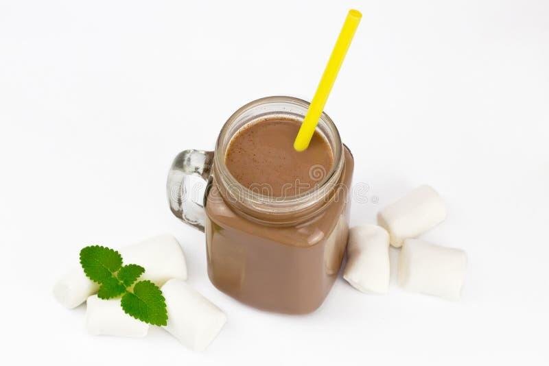 Szklany słój z kakao lub gorącą czekoladą zdjęcie stock