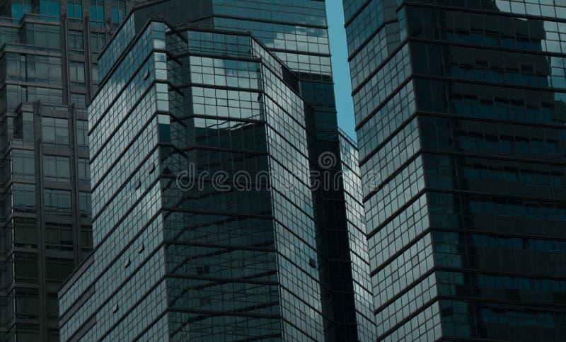 Szklany zasłony ściany odbicie budynek obrazy stock