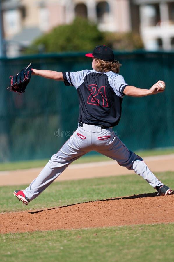 Szkoła średnia baseballa miotacz zdjęcia royalty free