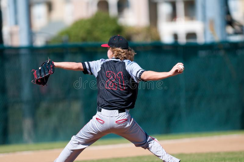 Szkoła średnia baseballa miotacz zdjęcie royalty free