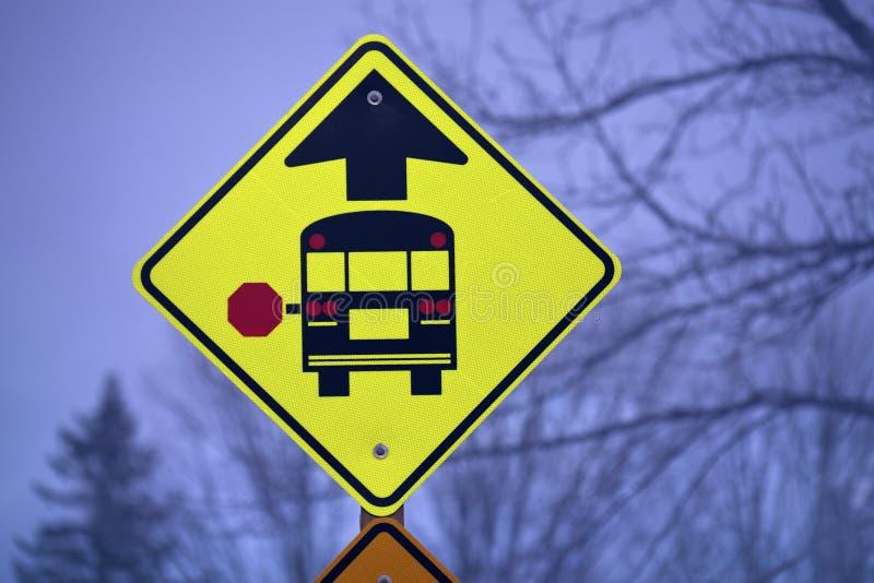 szkoła autobusowy znak zdjęcia stock