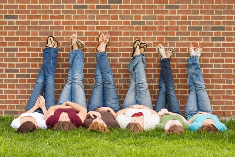 szkoła wyższa dziewczyn grupa fotografia stock