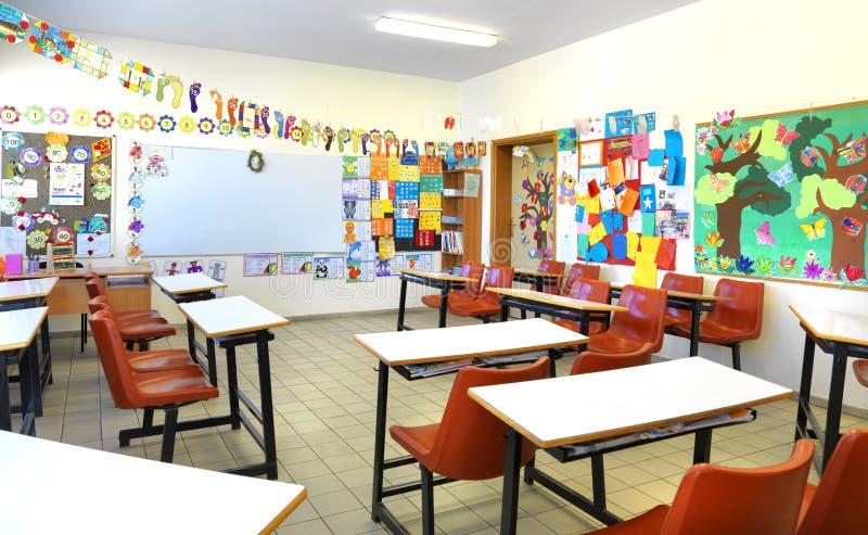 Szkoły podstawowej sala lekcyjna fotografia royalty free
