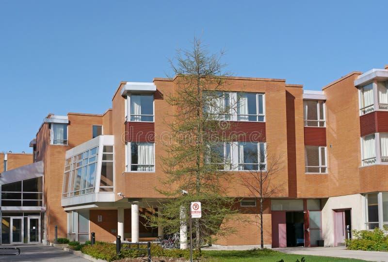 Szkoły wyższa dormitorium budynek zdjęcie royalty free
