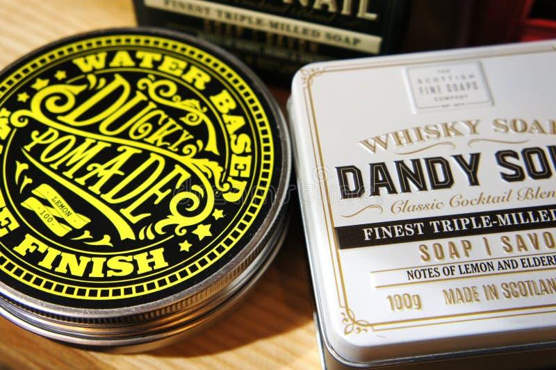 Szkoccy grzywnów mydła Whisky koktajlu mydła w cynie dandy podśmietanie i ośniedziały gwóźdź złotko pomaduje obraz stock