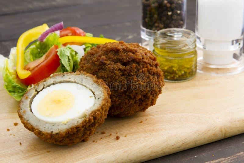 Download Szkocka jaj zdjęcie stock. Obraz złożonej z dłoniak, smakosz - 57656610