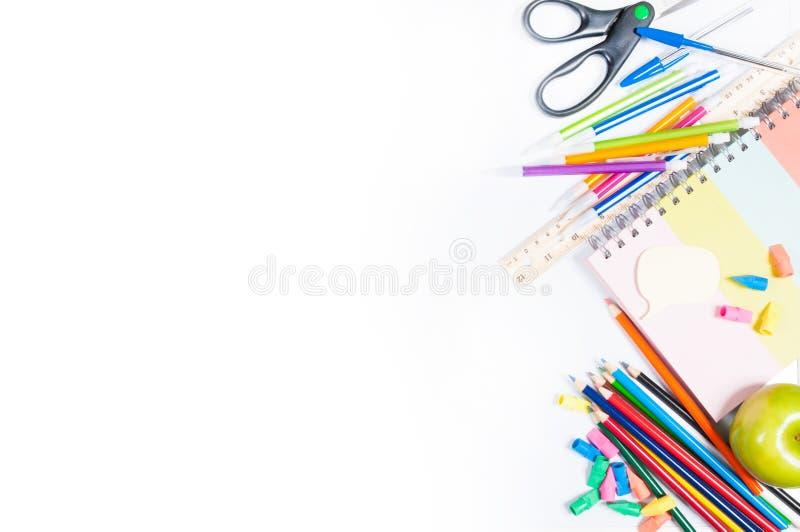 szkolne zapasy białe tło obraz stock
