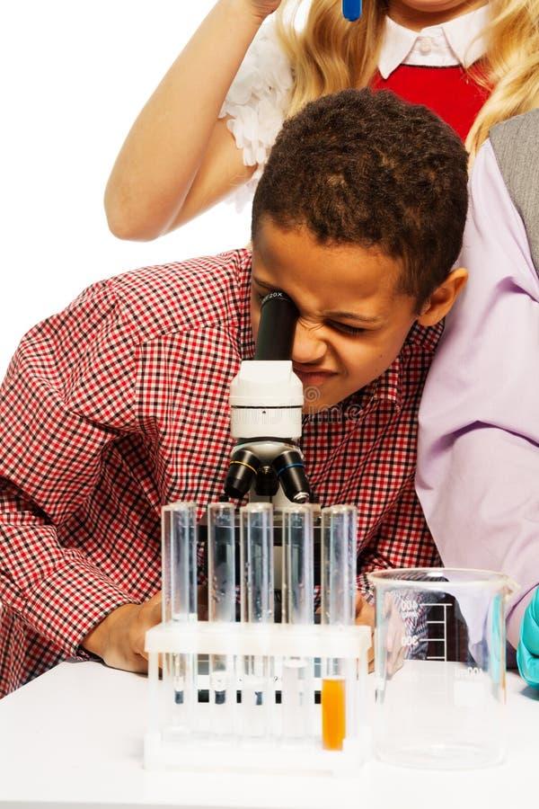 Download Szkolny chemii badanie zdjęcie stock. Obraz złożonej z learn - 28967992