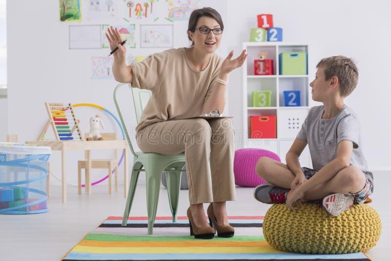 Szkolny doradca i uczeń zdjęcie stock