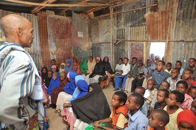 Szkolny obóz dla Afrykańskich uchodźców na obrzeżach Hargeisa fotografia royalty free
