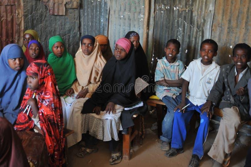 Szkolny obóz dla Afrykańskich uchodźców na obrzeżach Hargeisa obrazy royalty free