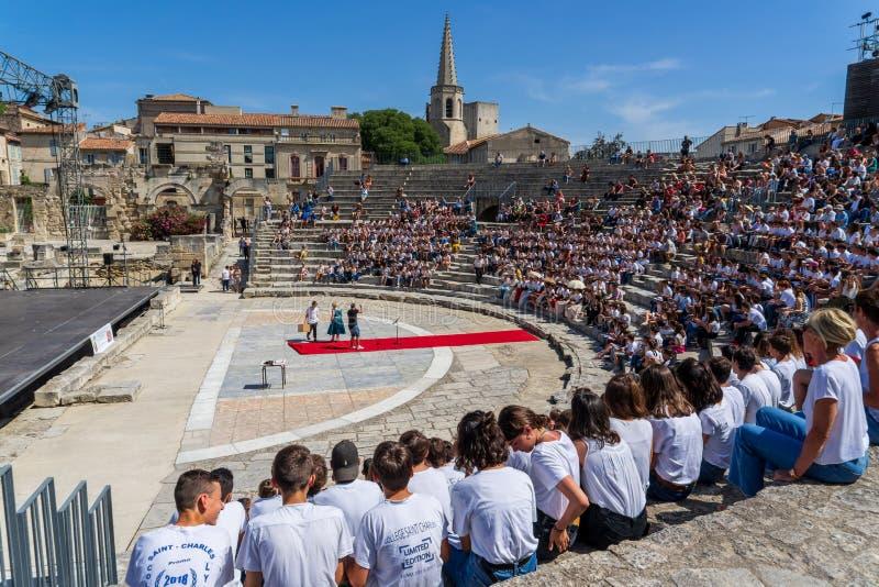 Szkolny skalowanie w Romańskim theatre przy Arles zdjęcie royalty free