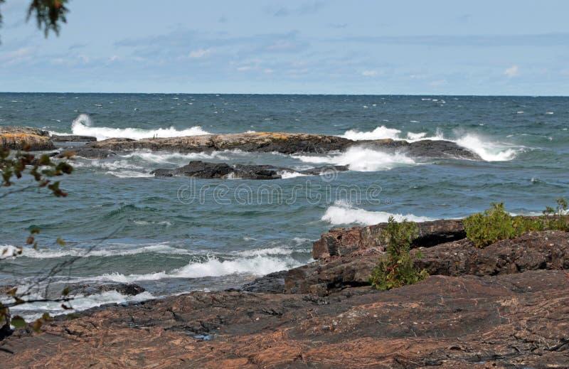 SZORSTKA woda, fale na Jeziornym przełożonym, Michigan zdjęcie royalty free