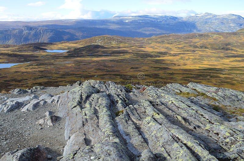 Szorstkie góry w Norway podczas jesieni obraz stock