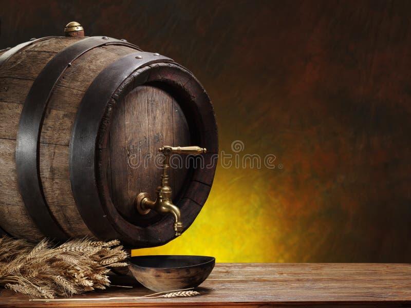 Download Szpilka piwo i banatka obraz stock. Obraz złożonej z macro - 57651909