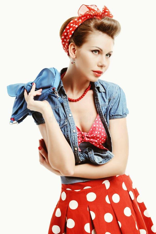 Szpilki młoda kobieta w rocznika amerykanina stylu obraz royalty free